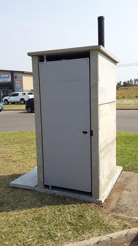 MK III Panel Toilet System 03